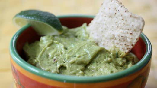 Learn the Craziest Way to Really Keep Guacamole Green