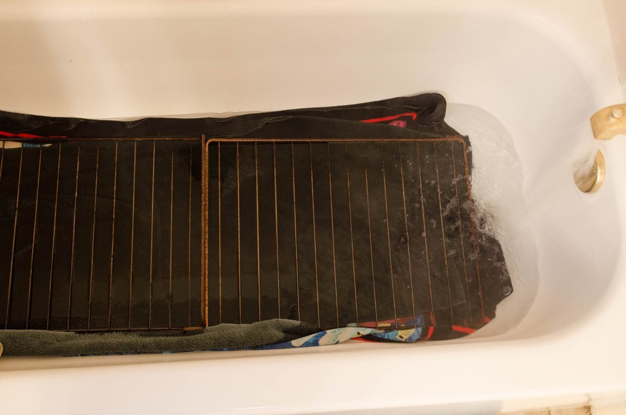 For Easy Clean up, Give Oven Racks a Soak in the Bathtub
