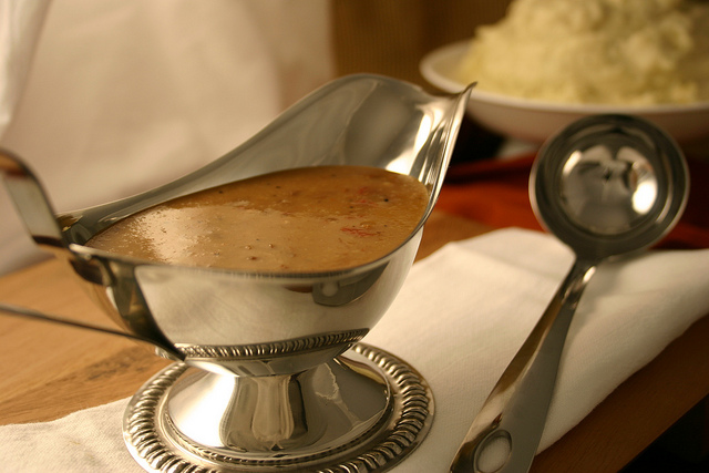 1 Brilliant Way to Keep Gravy Warm for Hours