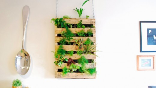 Build a DIY Garden Wall with a Pallet and Landscape Fabric