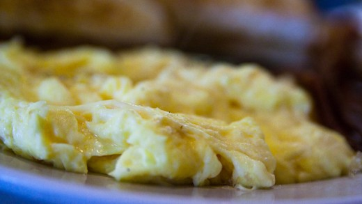 How to Nuke Scrambled Eggs in the Microwave