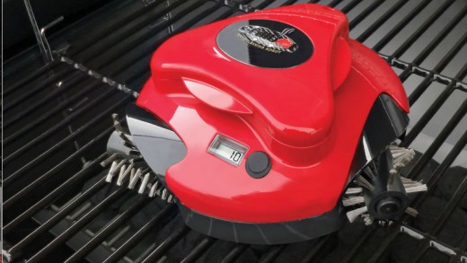 This Robot Cleans Off Your Grill Grates For You