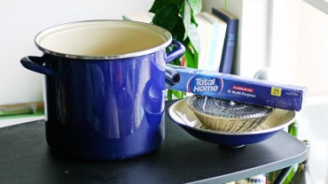 Make a Stovetop Smoker with Foil, a Steamer Insert, and a Large Pot