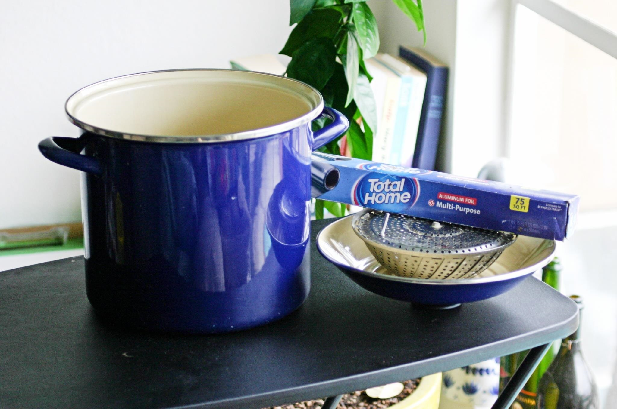 Make A Stovetop Smoker With Foil A Steamer Insert And A