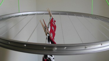 Make a Laundry Drying Rack with a Bicycle Wheel