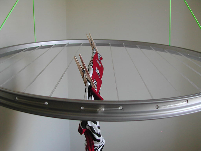 Make A Laundry Drying Rack With A Bicycle Wheel Appliance